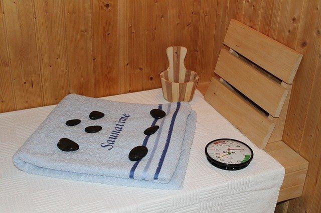 sauna a teploměr