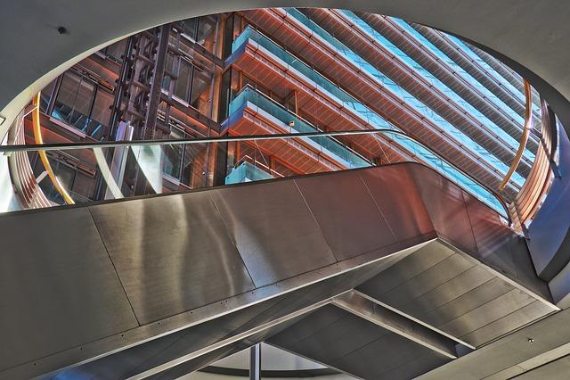 moderní architektura, schody, ocel.jpg