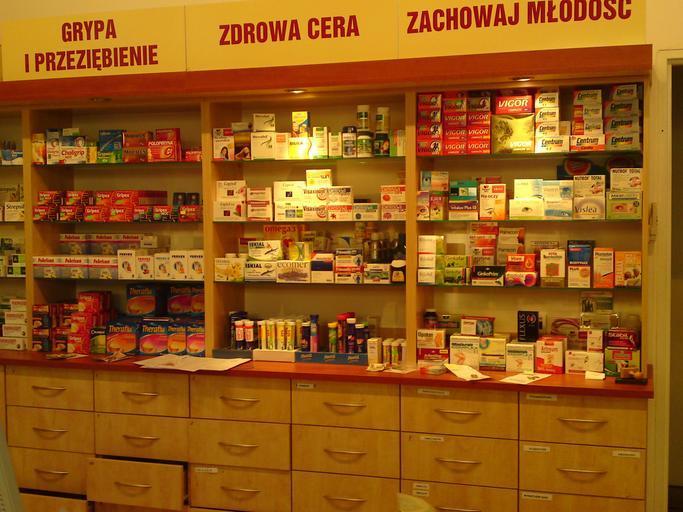 lékárna s doplňky stravy.jpg